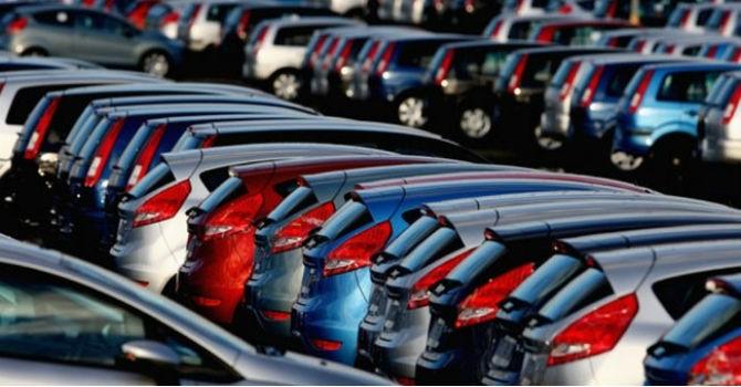 """Thị trường tuần qua: Sự thật đằng sau việc ô tô """"đại hạ giá"""""""