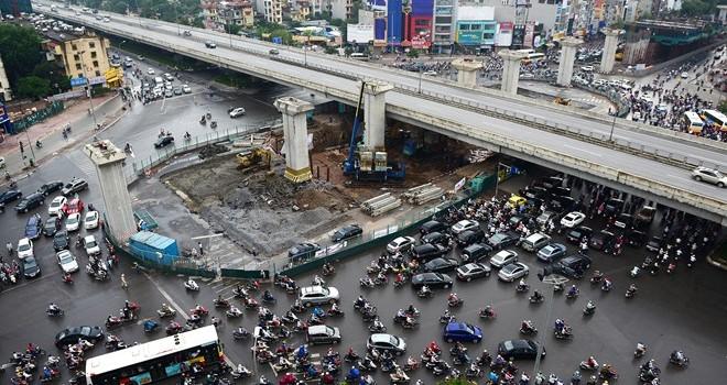 """Đề xuất rút giấy phép """"lô cốt"""" đường Nguyễn Trãi"""