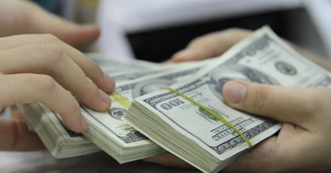 """Chính sách tỷ giá mới đã """"giúp"""" các ngân hàng tăng mạnh lãi thuần kinh doanh ngoại hối?"""