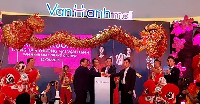 Vạn Hạnh Mall: Trung tâm thương mại lớn nhất quận 10 chính thức khai trương
