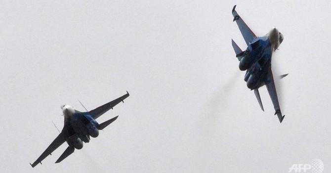 Máy bay chiến đấu Trung Quốc áp sát máy bay Nhật Bản