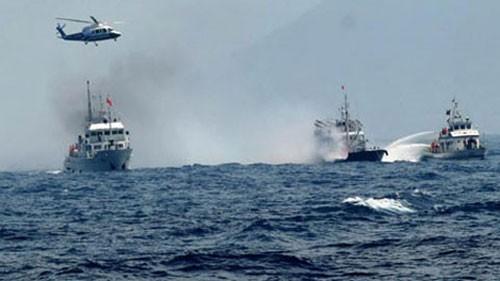 Tàu Nhật Bản tiến thẳng vào khu vực giàn khoan Hải Dương 981