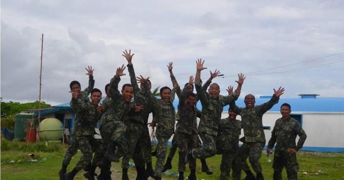 Quân đội Việt Nam và Philippines giao lưu tại Trường Sa