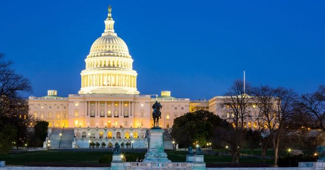 Thượng viện Mỹ phê chuẩn dự luật viện trợ quân sự cho Ukraine