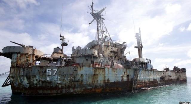 Trung Quốc nổi xung khi Philippines gia cố tàu chiến
