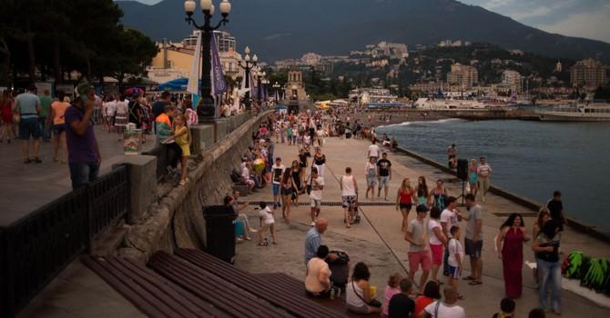"""Nghị sĩ Pháp: """"Những người dân đang hạnh phúc ở Crimea"""""""