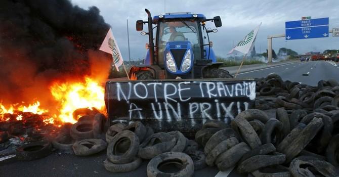 Nông dân Pháp chặn lối nhập cảnh của xe tải tại biên giới với Đức