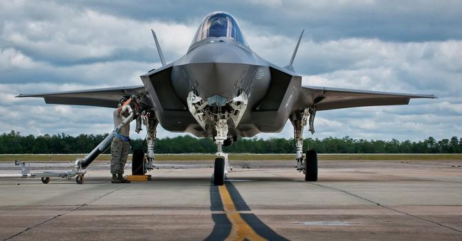 """Chiến đấu cơ của Nga thừa sức """"xé nát"""" F-35 của Mỹ?"""