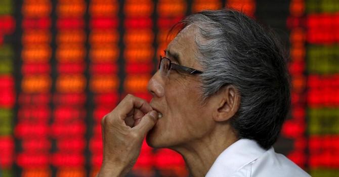 Chứng khoán Trung Quốc khủng hoảng, thế giới hốt hoảng!