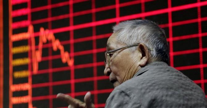 Chứng khoán Thượng Hải lại giảm, nhà đầu tư nhỏ hoảng loạn