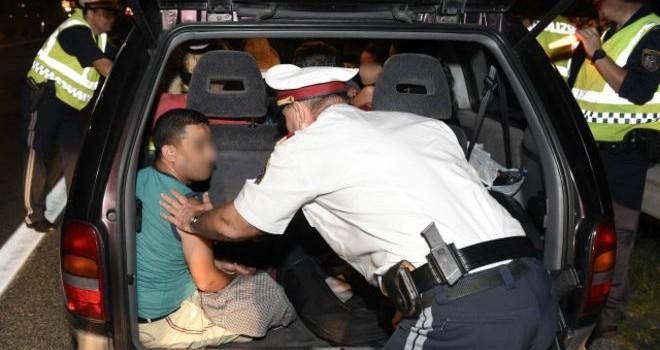 Áo bắt giữ 5 nghi phạm buôn người