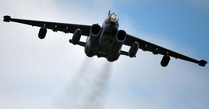 Chiến đấu cơ Su-25 của Nga hủy diệt một khu trại của IS ở Idlib
