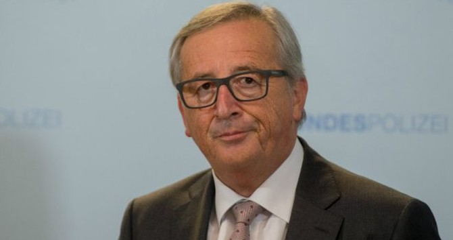 EU 'phải khôi phục quan hệ với Nga' và 'không để Mỹ sai khiến'