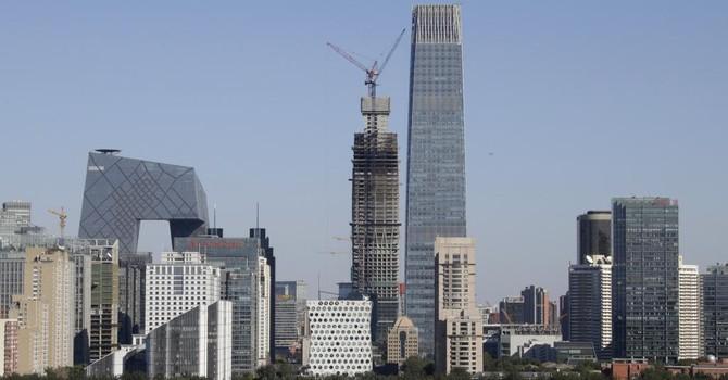 Tăng trưởng Trung Quốc thấp kỷ lục, dưới ngưỡng 7%