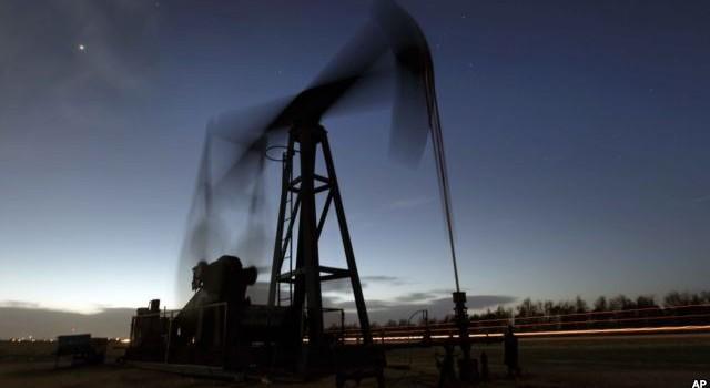 Thặng dư dầu của thế giới sẽ tiếp tục trong năm 2016