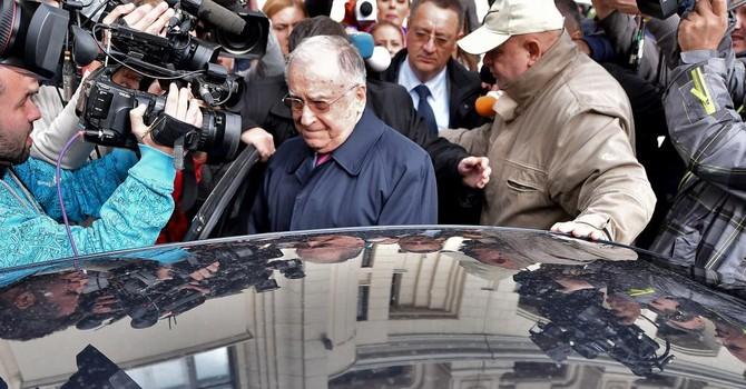 """Rumani khởi tố Cựu Tổng thống Iliescu vì """"Tội ác chống nhân loại"""""""