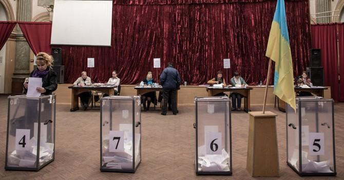 """Washington Post: """"Cuộc bầu cử khu vực ở Ukraine là """"đáng thất vọng"""""""