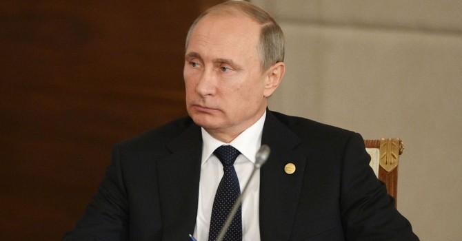 """Ông Putin: Phương Tây """"cạnh tranh không lành mạnh"""" trên thị trường vũ khí toàn cầu"""