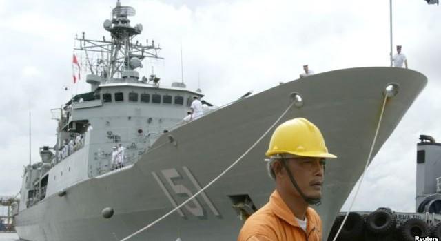 Liệu Úc có theo Mỹ đưa tàu tuần tra tới Biển Đông?