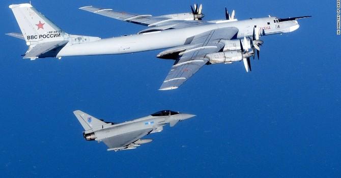 Máy bay Nga áp sát tàu sân bay Mỹ tại Biển Nhật Bản