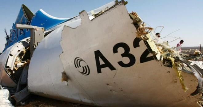 Máy bay hàng không Nga 'rơi vì bom'?