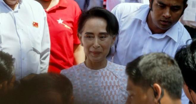 Chờ chiến thắng, bà Aung San Suu Kyi chúc mừng người dân Myanmar