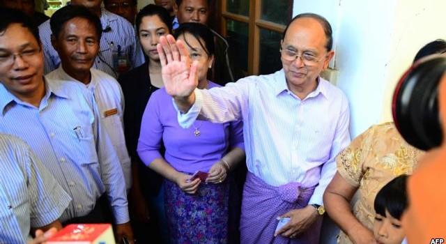 Tổng thống Thein Sein chúc mừng bà Suu Kyi thắng cử