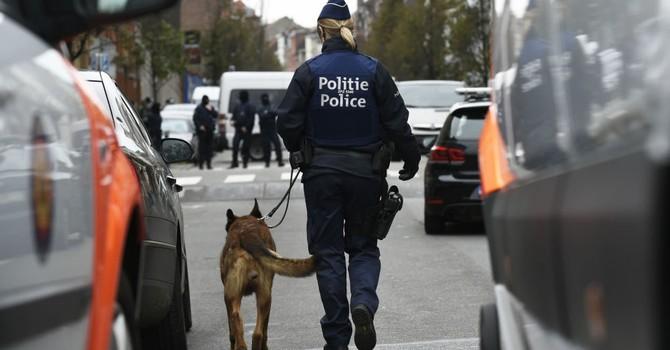 Cảnh sát Bỉ truy lùng chiếc xe với những đối tượng có vũ trang