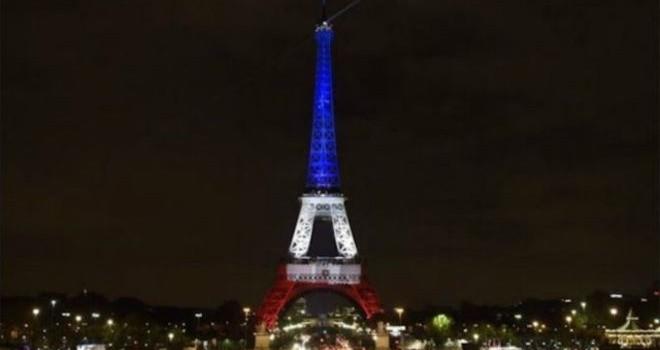 Tổng thống Pháp thề phá tan IS