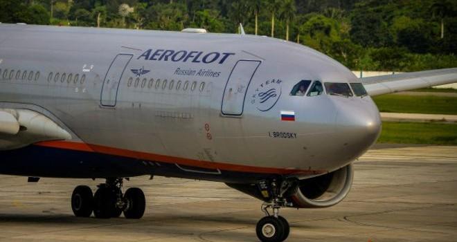 Ukraine đóng không phận với mọi phi cơ Nga