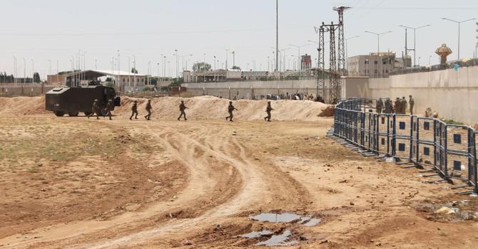 Thổ Nhĩ Kỳ triển khai 20 xe tăng gần biên giới với Syria