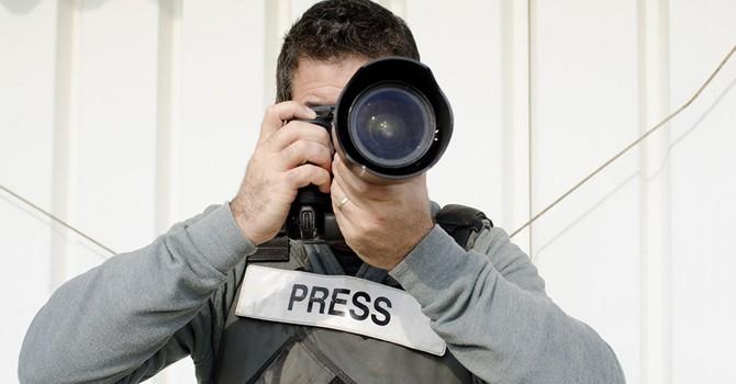 Phóng viên RT tại Syria bị bắn từ vũ khí của Mỹ