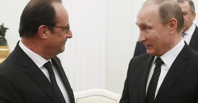 """Pháp- Nga sẽ """"phối hợp"""" không kích IS"""