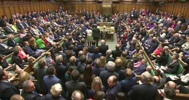 """Quốc hội Anh """"quyết đánh"""" IS"""