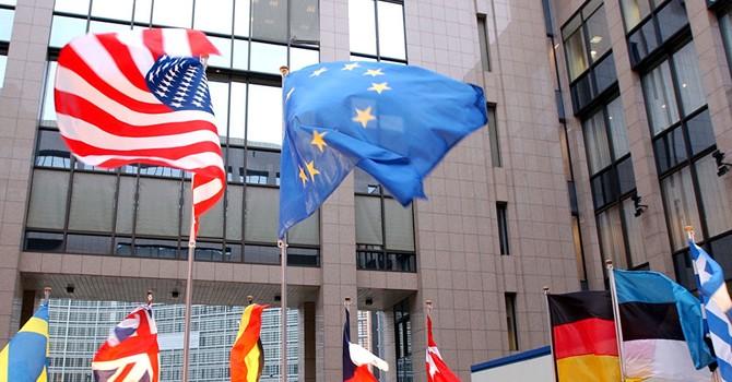 Dân biểu Châu Âu tố Mỹ kinh doanh dầu của IS