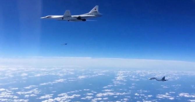 Không quân Nga một ngày đánh bom 212 cứ điểm khủng bố tại Syria