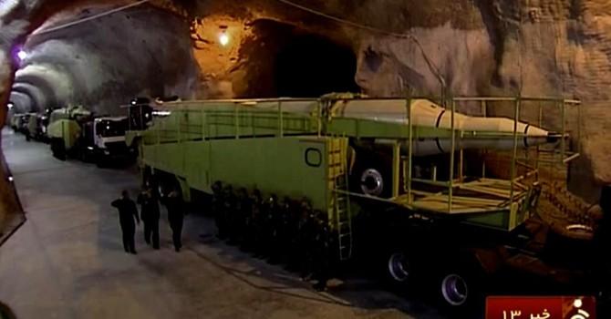 """Iran """"khoe"""" có thêm một căn cứ ngầm chứa tên lửa"""