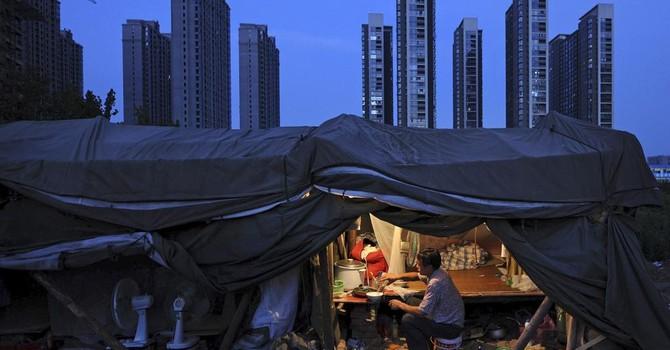 Mô hình kinh tế Trung Quốc sản sinh khủng hoảng