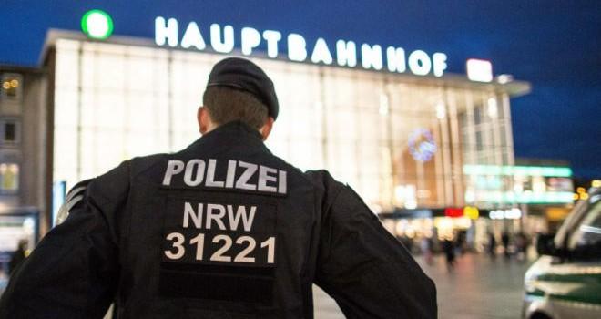 Đức sẽ 'trục xuất những kẻ tấn công tình dục'
