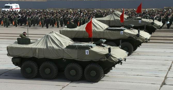 """Lính Nga sẽ được vũ trang bằng… xe """"Boomerang"""""""
