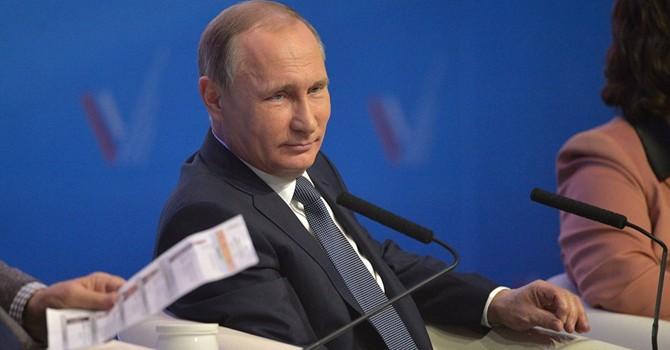 Tổng thống Putin: Cần thận trọng với vấn đề mai táng Lenin