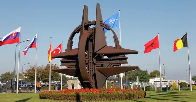 """Nga có lý khi coi NATO là một """"nguy cơ đe dọa"""""""