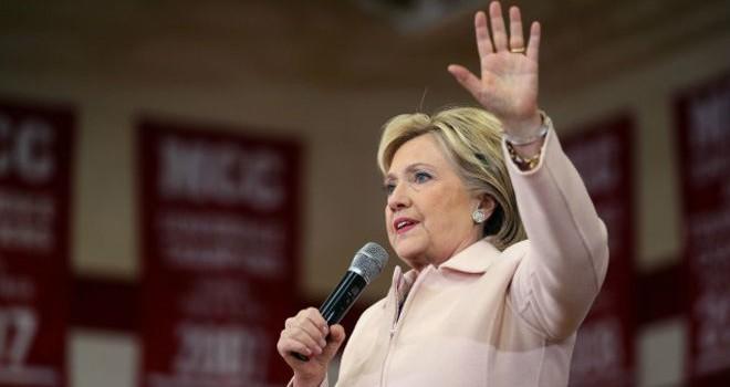 Bà Clinton đã gửi các email cá nhân chứa 'bí mật quốc gia'