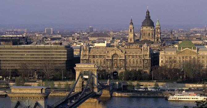 Hungary dự định thảo luận khả năng dỡ bỏ trừng phạt đối với Nga