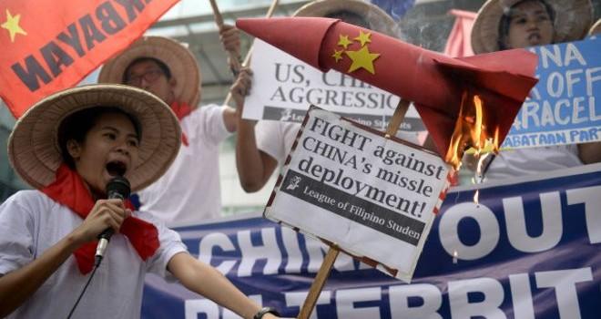 Trung Quốc to mồm tố ngược Mỹ 'quân sự hóa Biển Đông'