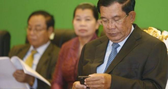 """Nghi ngờ chuyện mua """"like"""" trên Facebook của ông Hun Sen"""