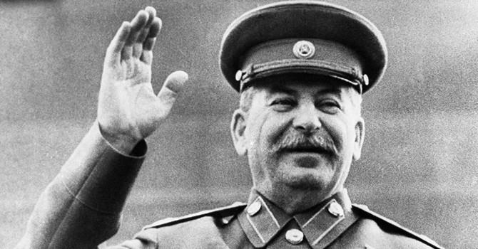 Stalin hiện hình trong ga metro khiến cảnh sát Moscow báo động