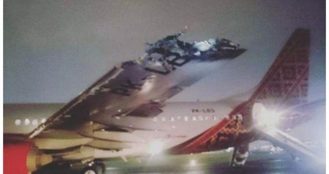 Hai máy bay đụng nhau tại sân bay Jakarta