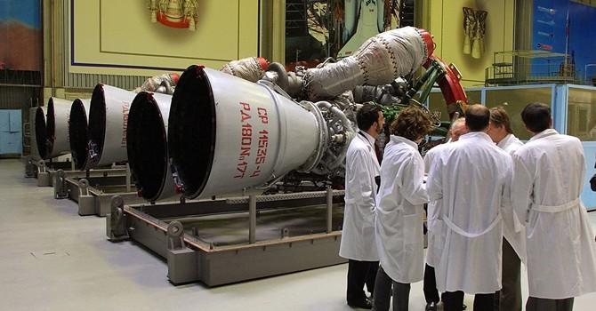 Vì sao Nga không cung cấp động cơ tên lửa cho Trung Quốc?