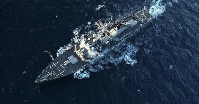 """Su-24 của Nga lại khiến tàu khu trục Mỹ """"hốt hoảng"""""""